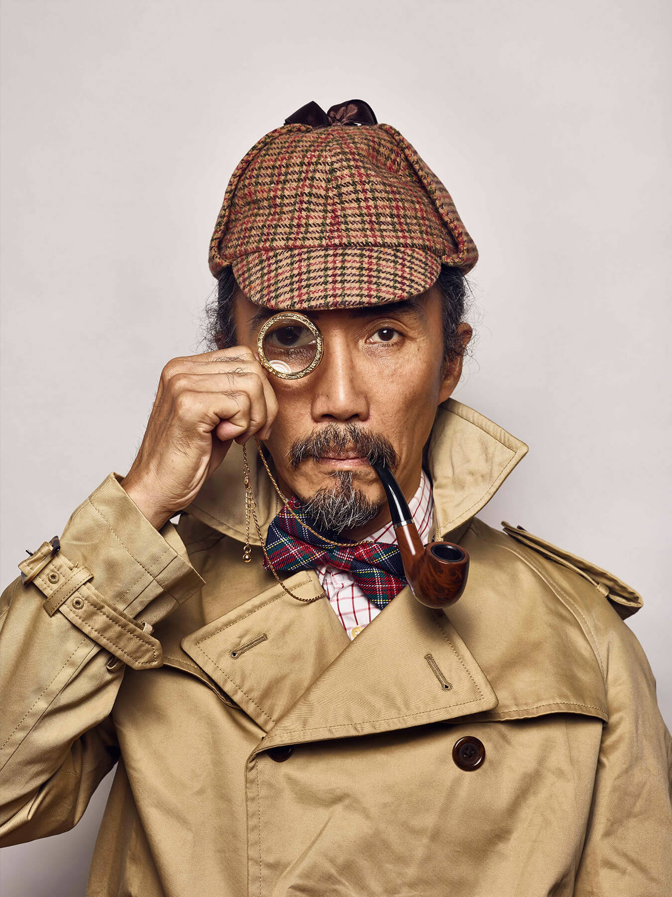 18 Aug 2017 Derong is decked out in a complete Sherlock Holmes get-up