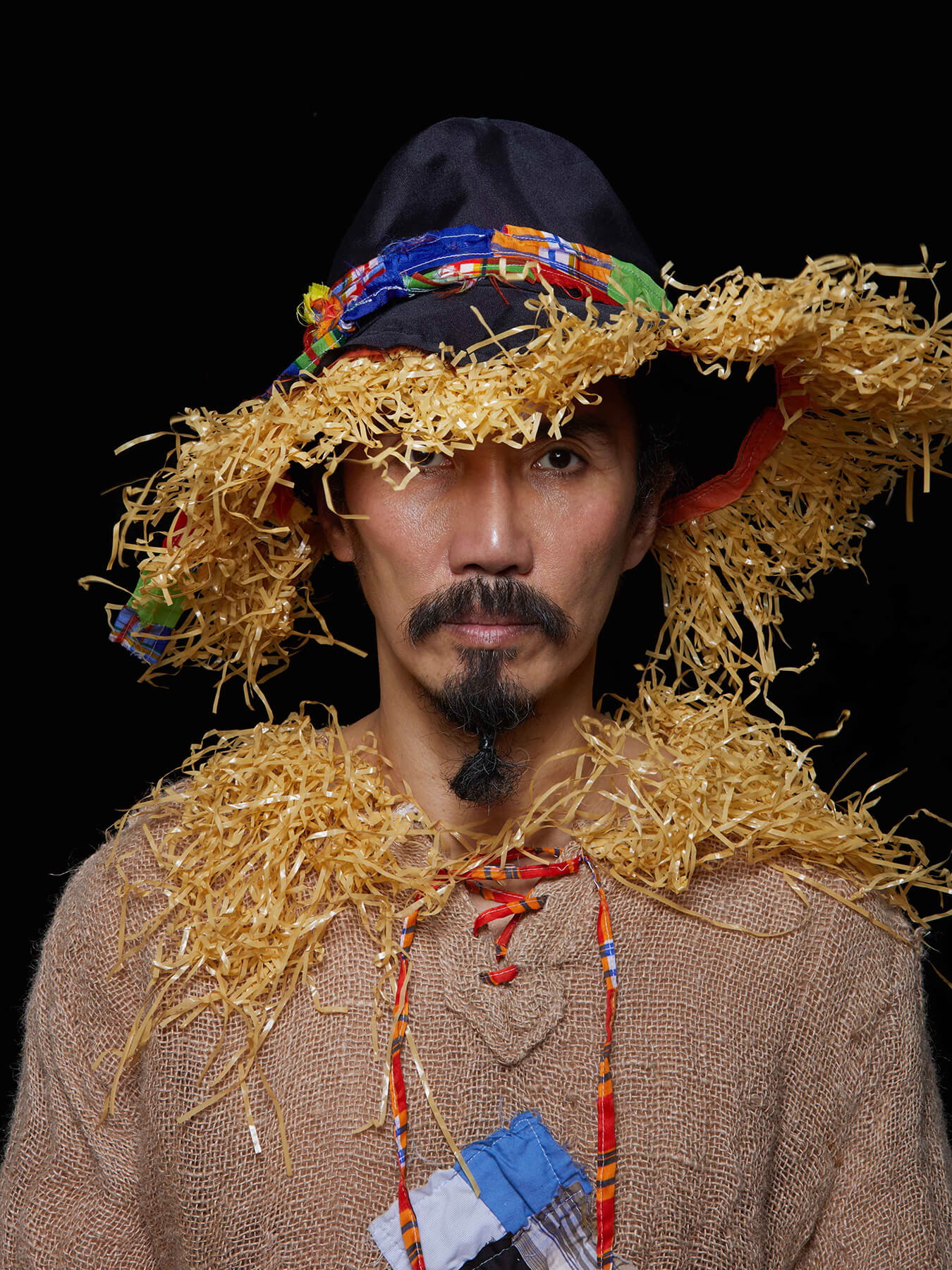 18 Jan 2018 Derong is styled as scarecrow from the wizard of oz